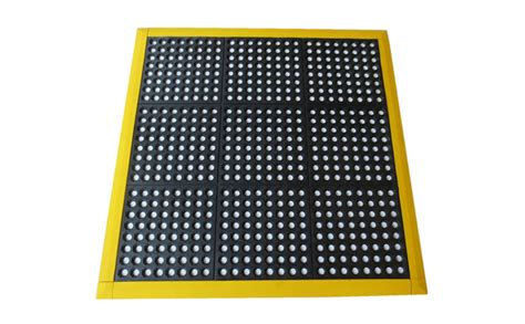 How To Pass The Mat by Interlocking Rubber Drainage Mat