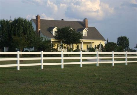 four rail vinyl fence 22 vinyl fence ideas for residential homes