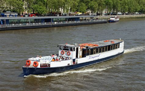 thames river boats dogs kingwood river thames boat hire joseph mears king
