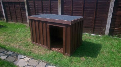 how to build your own dog house build your own dog kennel out of pallets youtube