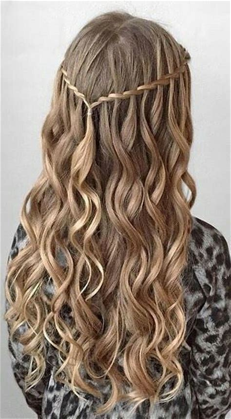 middle school hairstyles for curly hair 25 best ideas about graduation hairstyles on of the proms homecoming hair