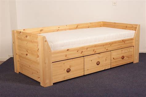 Houten Bed Met Lades by 1 Persoonsbed Met Lades Bedden Blankhouten Meubels