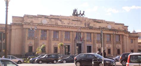 interdizione ai pubblici uffici messina terremoto nella formazione dieci arresti