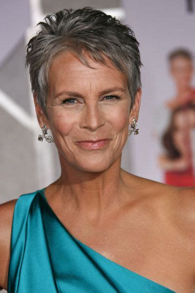 what does jamie lee curtis do to her hair jamie lee curtis this is how a woman should look at her