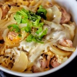 oyakodon japanese chicken and egg rice bowl recipe oyakodon japanese chicken and egg rice bowl photos