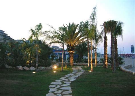 giardini illuminati grande partecipazione all inaugurazione lungomare