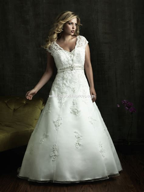 plus size wedding dresses for different shapes