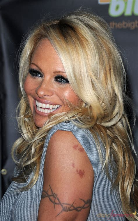pam anderson tattoo removal pin tatuaje andrea tattoos on