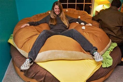 cheeseburger bed mmmm delicious sleep the hamburger bed geekologie