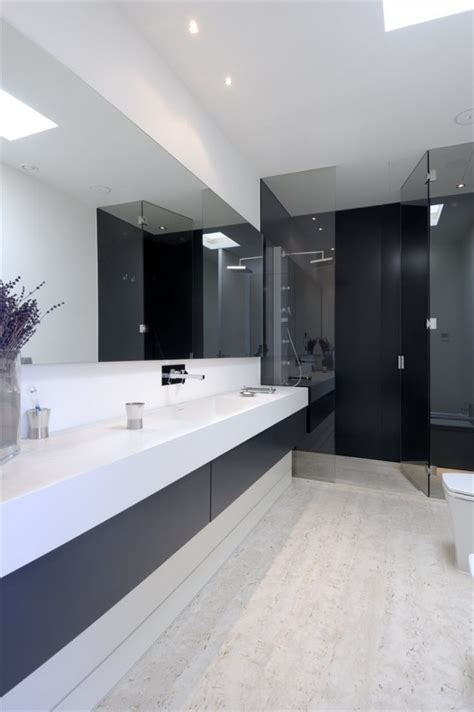 Modern Minimalist Bathrooms 45 Stylish And Laconic Minimalist Bathroom D 233 Cor Ideas Digsdigs