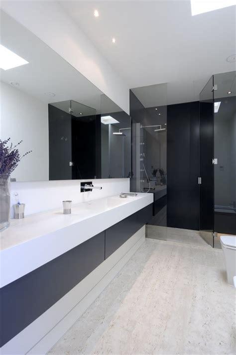 45 stylish and laconic minimalist bathroom d 233 cor ideas digsdigs