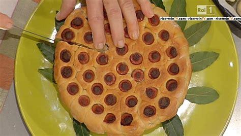 torta mantovana di luisanna messeri la prova cuoco ricetta torta mantovana con crema di