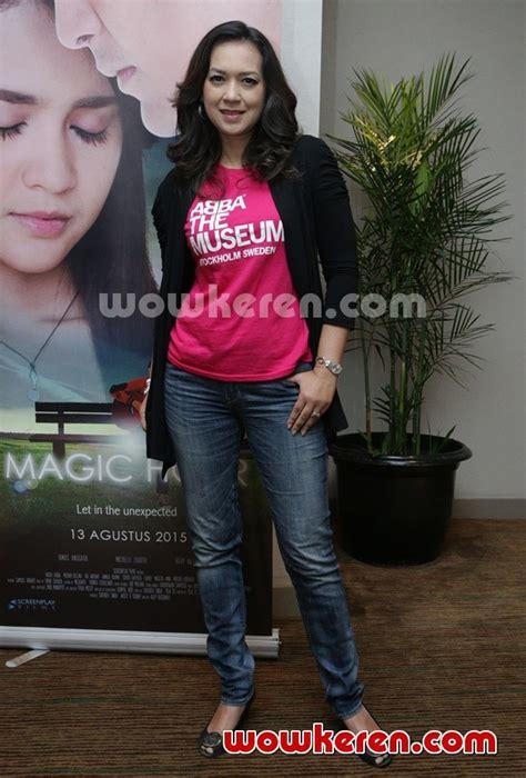 jadwal film magic hour foto ira wibowo hadiri press screening film magic hour