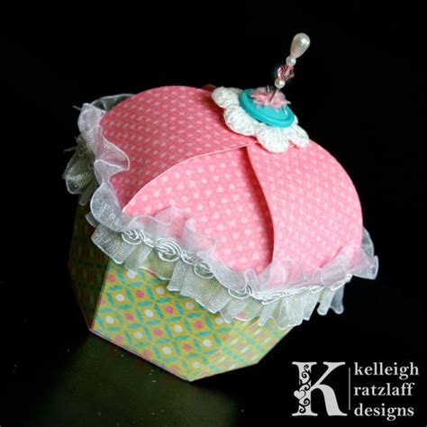 pattern for cupcake holder 25 best ideas about cupcake template on pinterest
