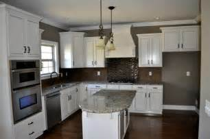 Kitchen Backsplashes With White Cabinets by White Cabinet Kitchen With Tile Backsplash Contemporary