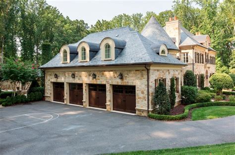 What Is A Motor Court Garage by Carriage Doors At Motor Court Caves Garages