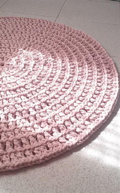 crochet rugs diy 25 best ideas about crochet carpet on