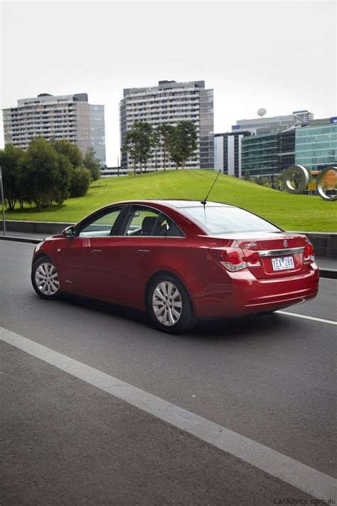 holden cruze 2011 review 2011 holden cruze review caradvice