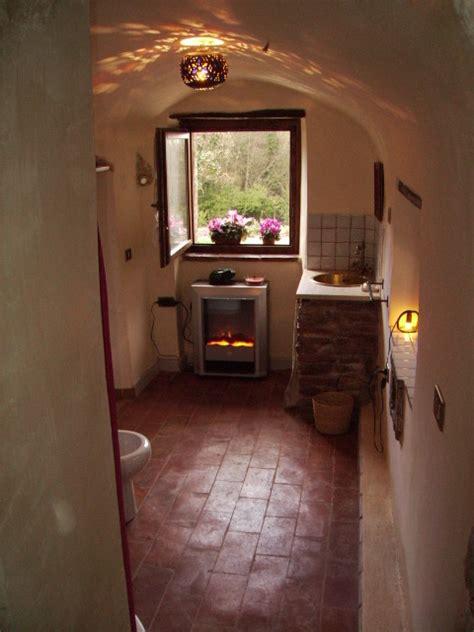 bagni in cotto bagno con pavimento in cotto arredare casa con pavimento