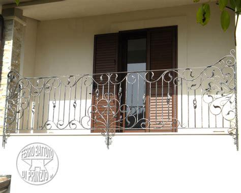ringhiera in ferro battuto per esterno catalogo balaustre esterne in ferro e ferro battuto