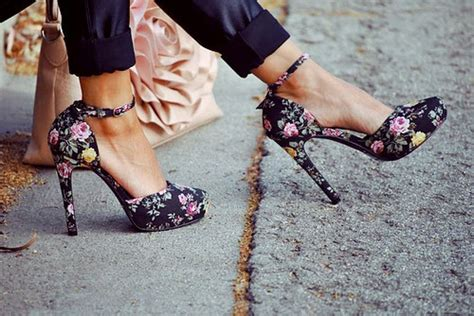 Or Not Ravels Big Flower Shoes by Step Into Floral Heels Be Mod