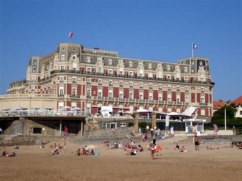 Office Du Tourisme De Biarritz by D 233 Couvrir Les Tr 233 Sors Du Pays Basque Vacances Vues Du