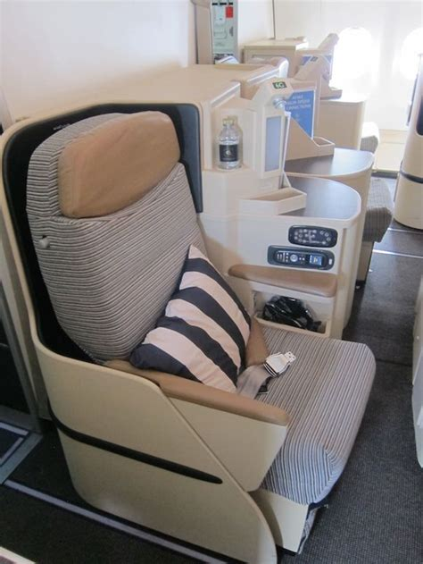 etihad airways business class seating plan review etihad airways business class a330 dusseldorf to