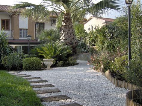 giardino ghiaia sistemazione esterna pedara soa spazio oltre l architettura