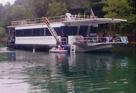 houseboats for rent in va 1000 ideas about houseboat rentals on pinterest lake