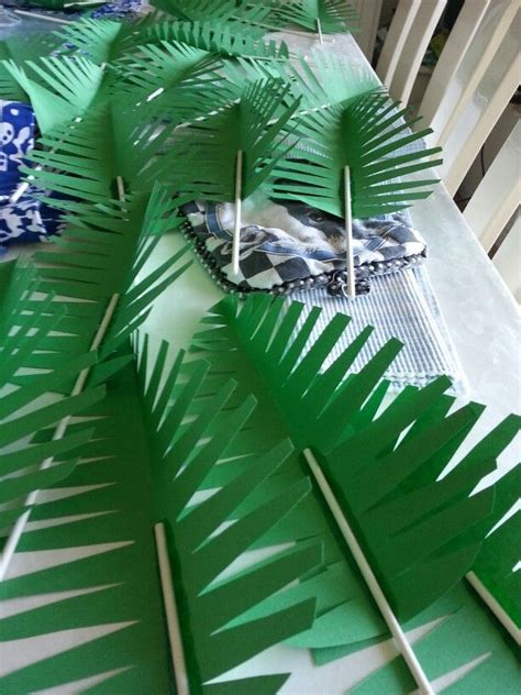 How To Make Rainforest Trees Out Of Paper - construction paper palm leaves hawaiian