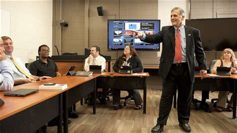 Jd Mba Toledo by Preparing Future Business Leaders To Address Real World