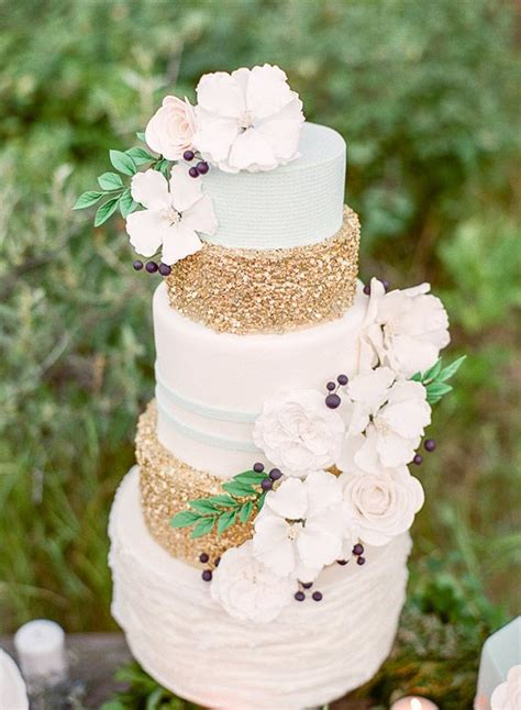 hochzeitstorte glitzer metallic wedding cake inspiration simply peachy event