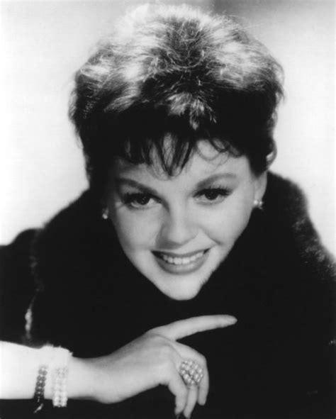 Film Biography Of Judy Garland   judy garland biography movie highlights and photos