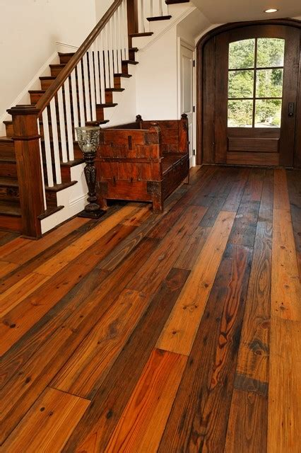 Pine flooring in Toronto & Vaughan