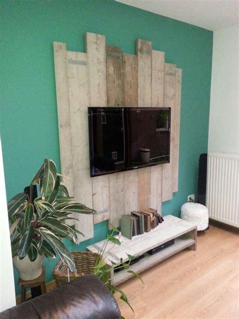 tv  palletwood green wall wood  livingroom antique