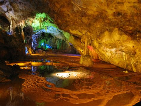 reed flute cave cave  guangxi thousand wonders