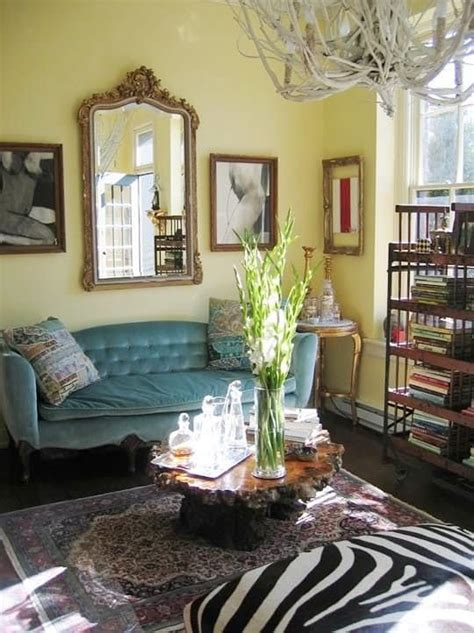 light yellow paint living room best 25 pale yellow walls ideas on yellow