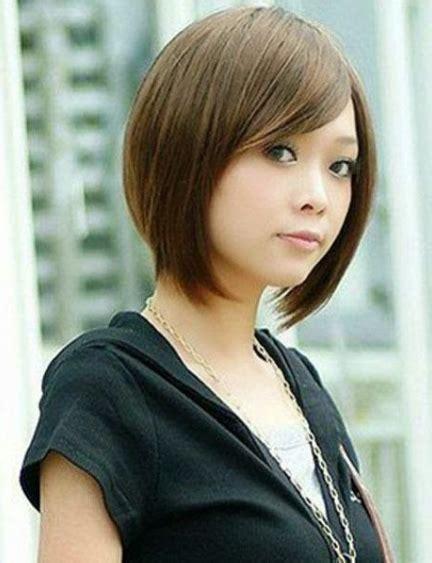 trend populer  model rambut pendek curly