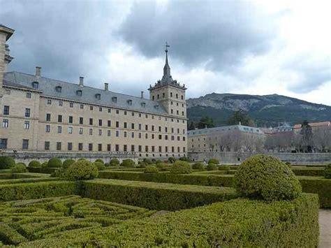visita monasterio del escorial viajar  madrid