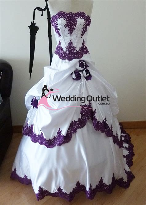 brautkleider in lila purple and white wedding dress weddingoutlet au