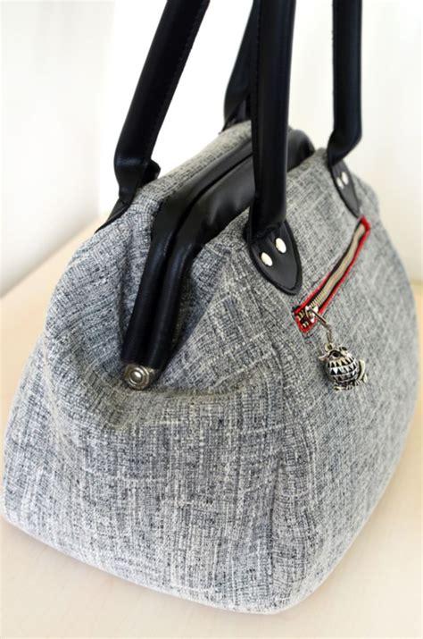 bag   month club january  companion carpet bag