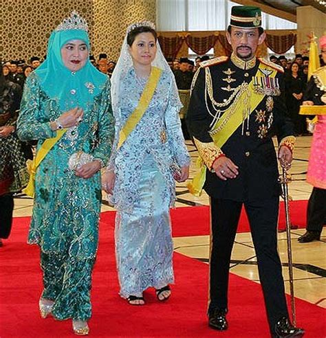the sultans wife sultan divorces young wife for special reasons
