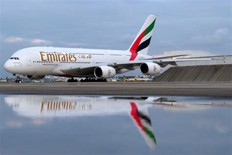 emirates aircraft emirates moves to an all airbus a380 and boeing 777 fleet