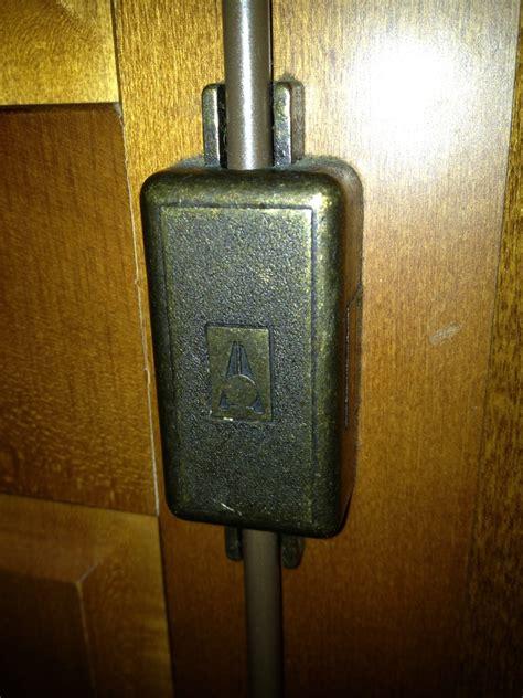 serrature armadi forum arredamento it serratura armadio problema