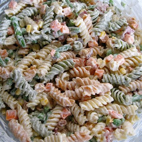 pasta salad with bacon bacon ranch pasta salad yummy food pinterest