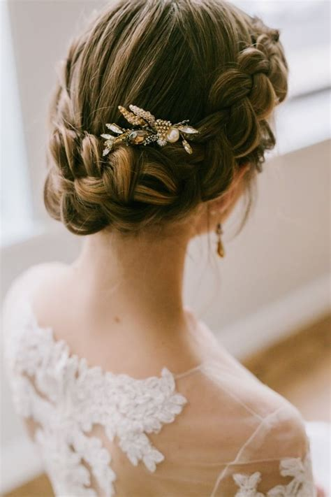Wedding Updos Braids by Best 25 Braided Wedding Hair Ideas On Braided