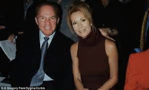 kathie lee gifford good morning america nfl legend and monday night football host frank gifford