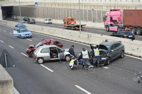 si鑒e auto monza incidente valassina monza traffico in tilt le foto
