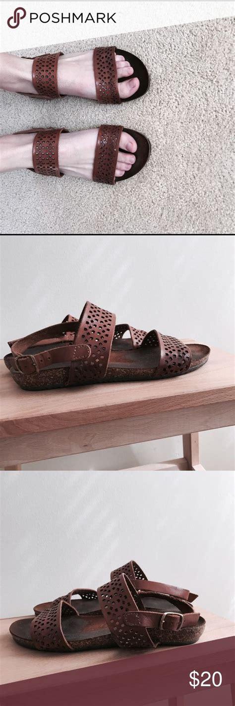 dsw comfort sandals dsw comfort sandals 28 images naturalizer caliah flat