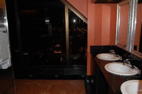 signature room 96th floor bathroom on 96th floor picture of the signature room at the 95th chicago tripadvisor